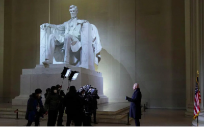 Biden doesn't wear mask at Lincoln Memorial hours after mandating masks be worn at all federal property