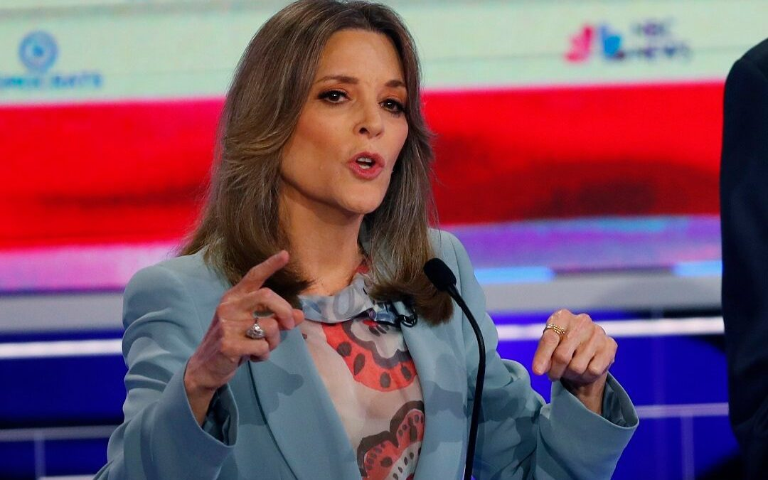Marianne Williamson caught on a hot mic saying 'conservatives are nicer' to her than the left