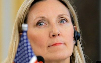 Top State Department official announces departure
