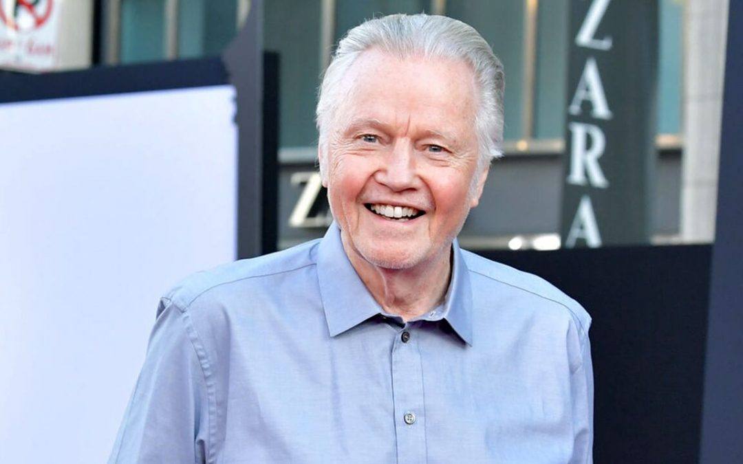 Jon Voight on why he broke out dancing on stage at White House: 'I don't take myself that seriously'