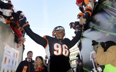 Bengals' Carlos Dunlap shows frustration with apparent demotion to third string