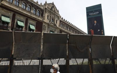 President of Mexico barricades palace ahead of women's march