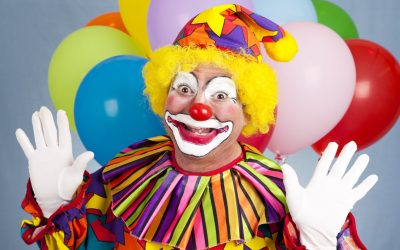 Clown seen outside schools sparks fear, leads education company to apologize