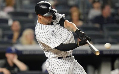 Sánchez homers, Yanks beat Rangers 4-3 to gain in wild card